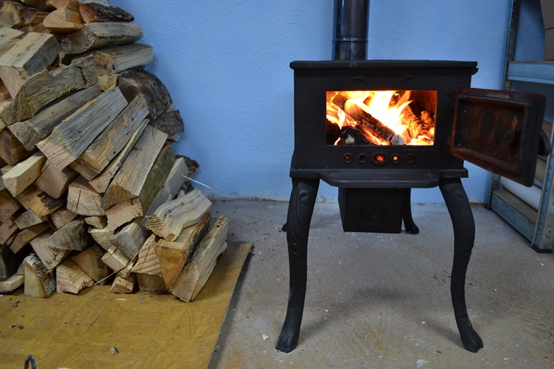 cast iron wood stove 6kw new zeb47 ebay. Black Bedroom Furniture Sets. Home Design Ideas